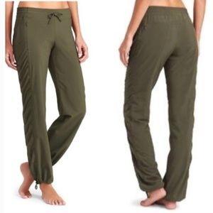Athleta La Viva Pants Olive Green Ruched size 10